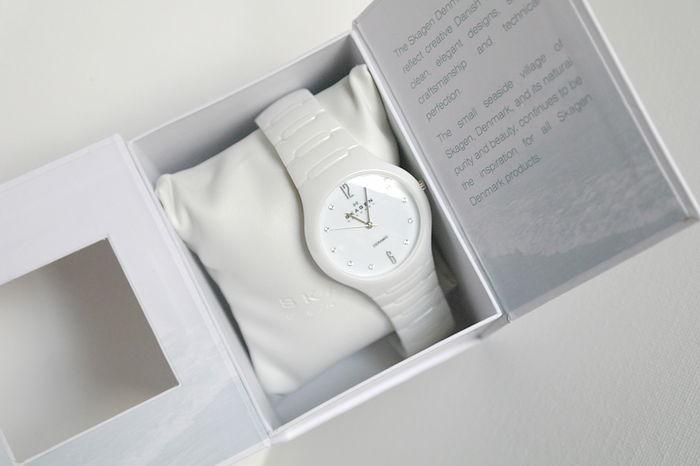 Một mẫu đồng hồ skagen với chất liệu đá độc đáo